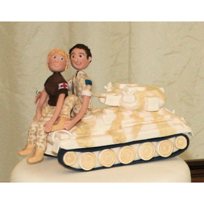 Sugarcraft Tank with Bride and Groom