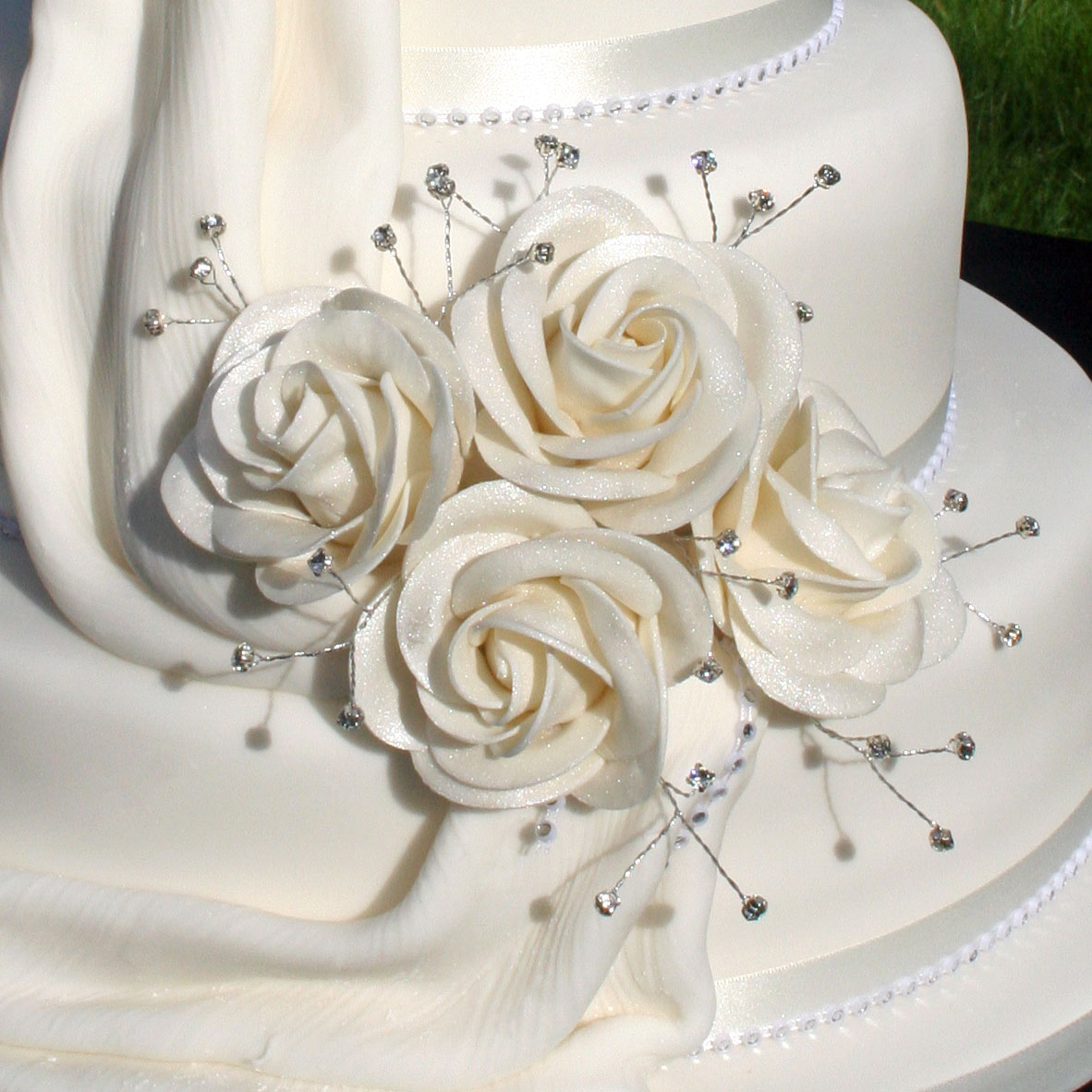 Champagne Lustre Finished Sugar Roses