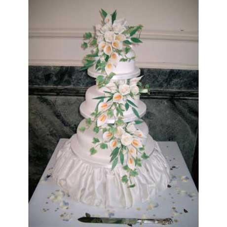 Tiered Cake with Sugarcraft Calla Lilies