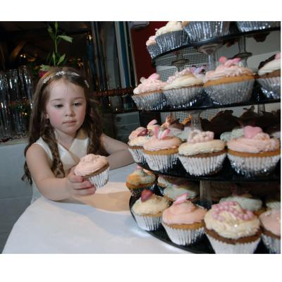 Bridesmaid Chooses the first Cupcake