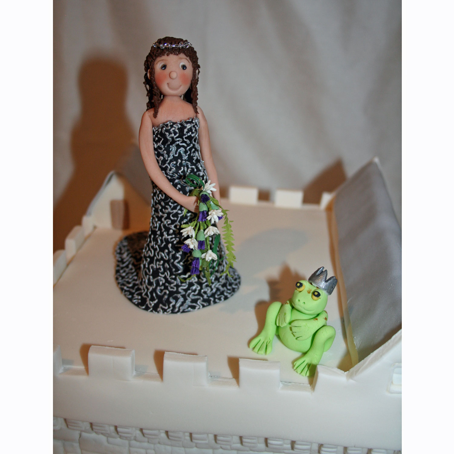 Sugarcraft Personalised Bride with Frog