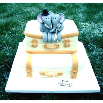 Honeymoon Trunks Wedding Cake