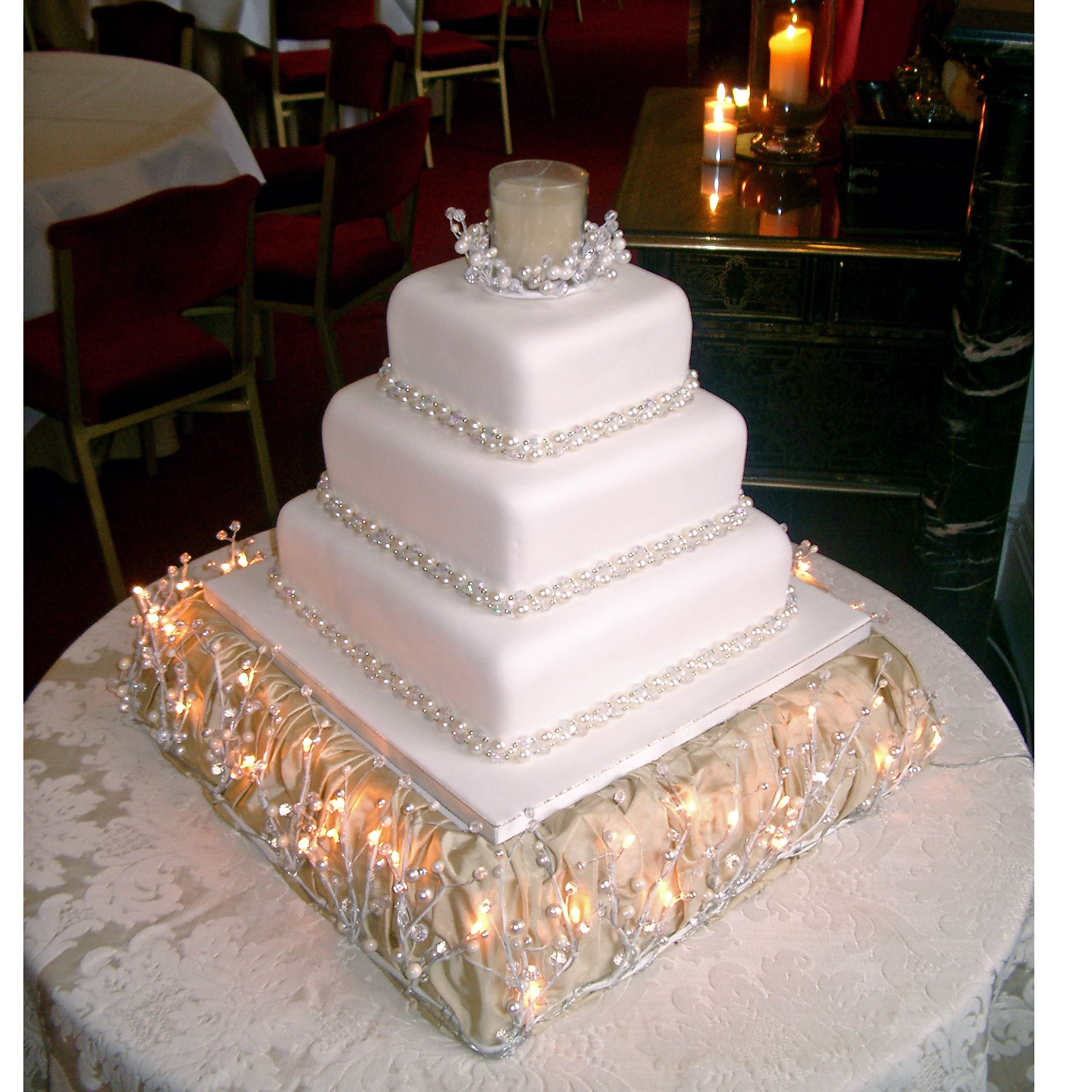Winter Candlelight Wedding Cake With Candles